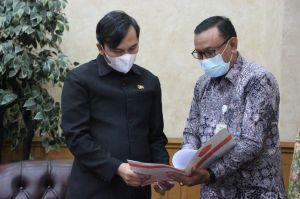 Terima Kunjungan Panitia KKN Kebangsaan 2021, Ketua DPRD Edi Minta Jaga Prokes