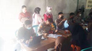 Vaksinasi Massal : Kapolres Muaro Jambi Turun Langsung Bantu Personil